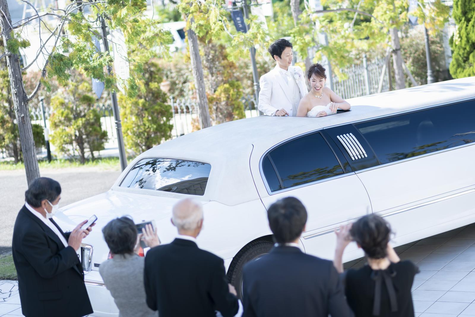 香川県の結婚式場シェルエメール&アイスタイルのリムジン退場