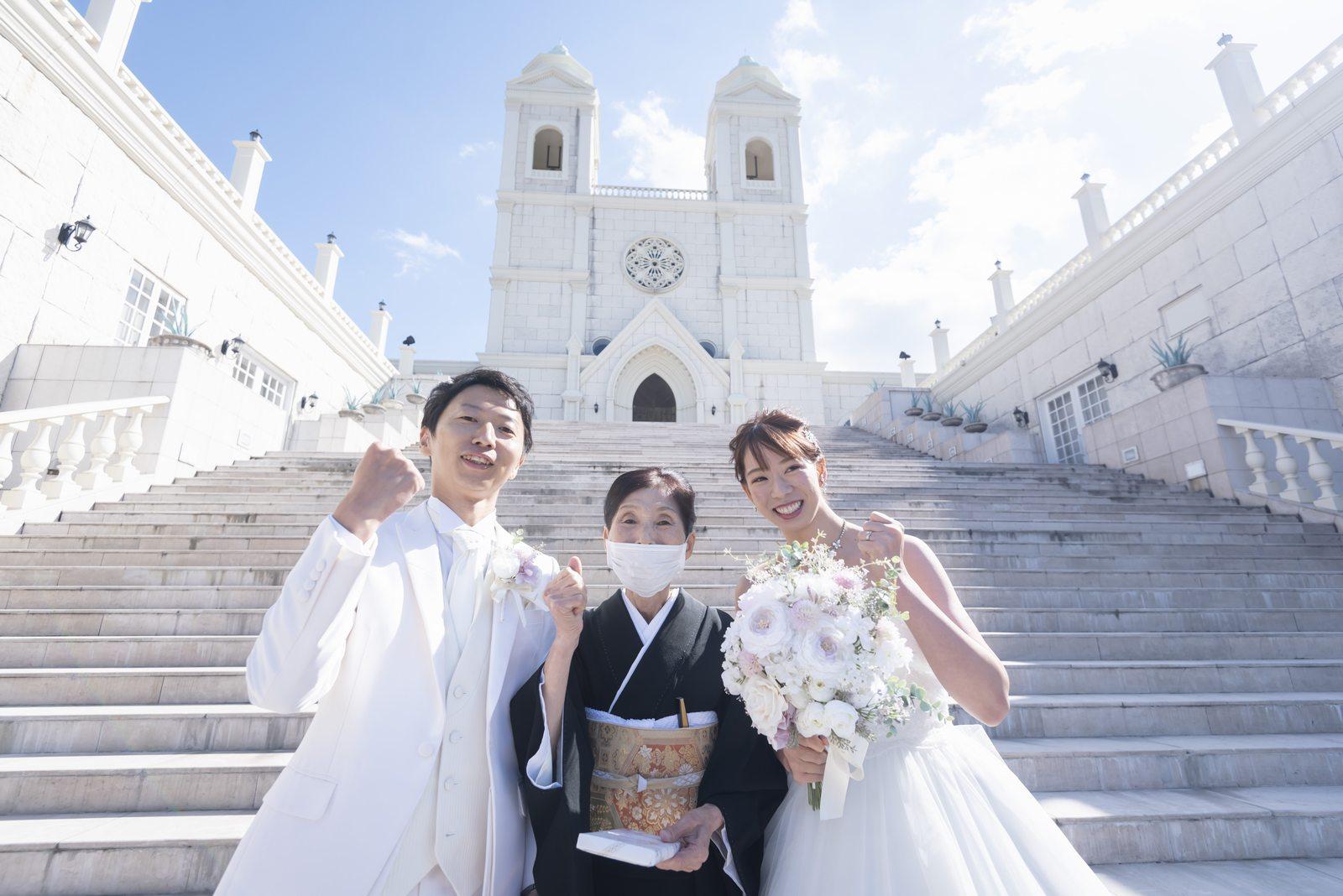 香川県の結婚式場シェルエメール&アイスタイルの家族写真