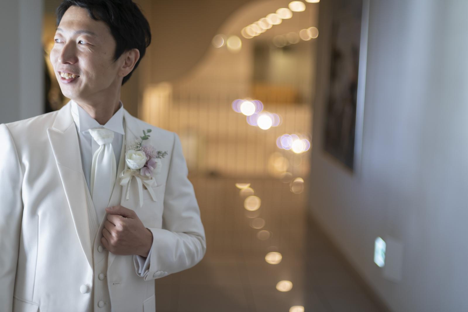 香川県の結婚式場シェルエメール&アイスタイルの新郎