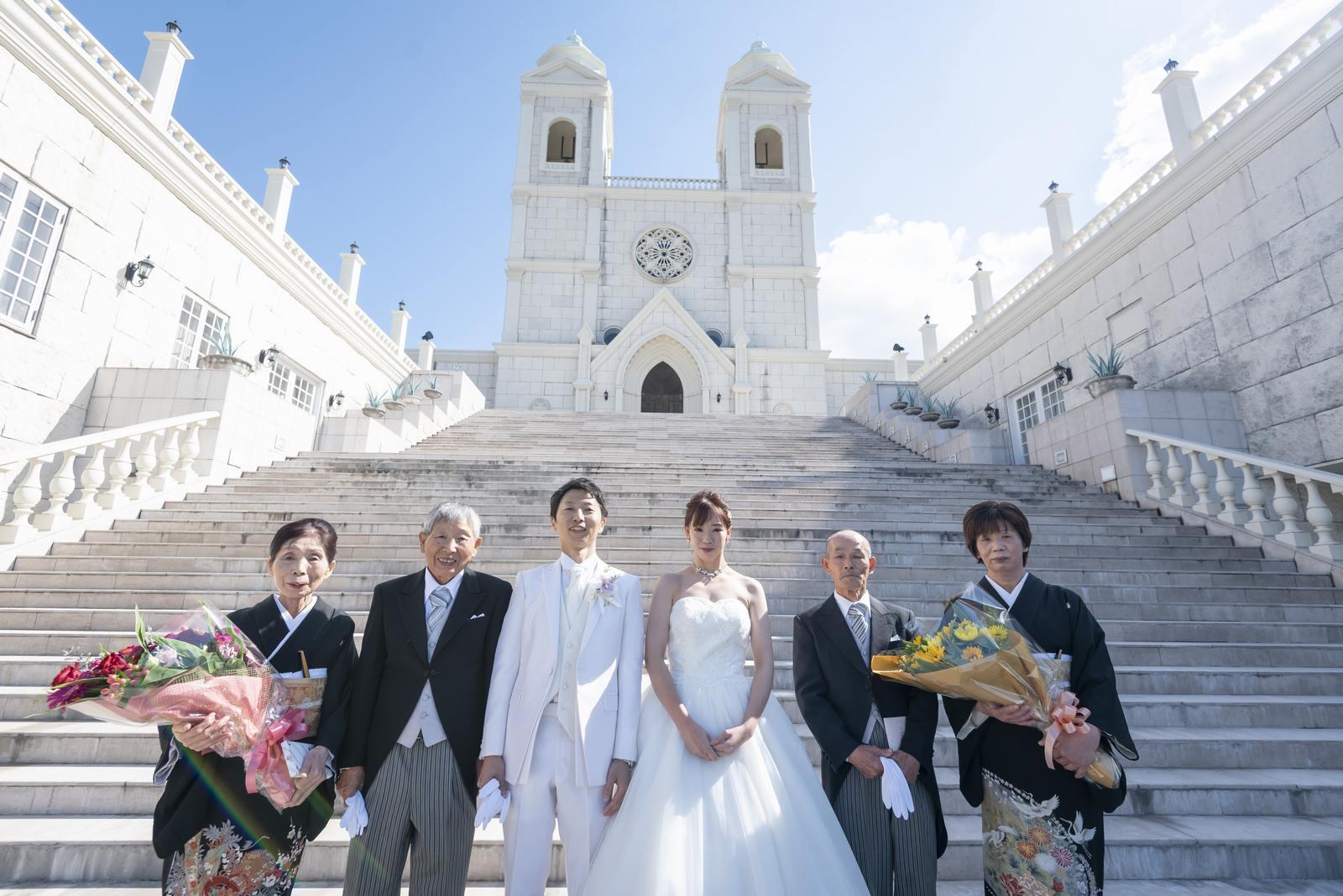 香川県の結婚式場シェルエメール&アイスタイルの両家集合写真